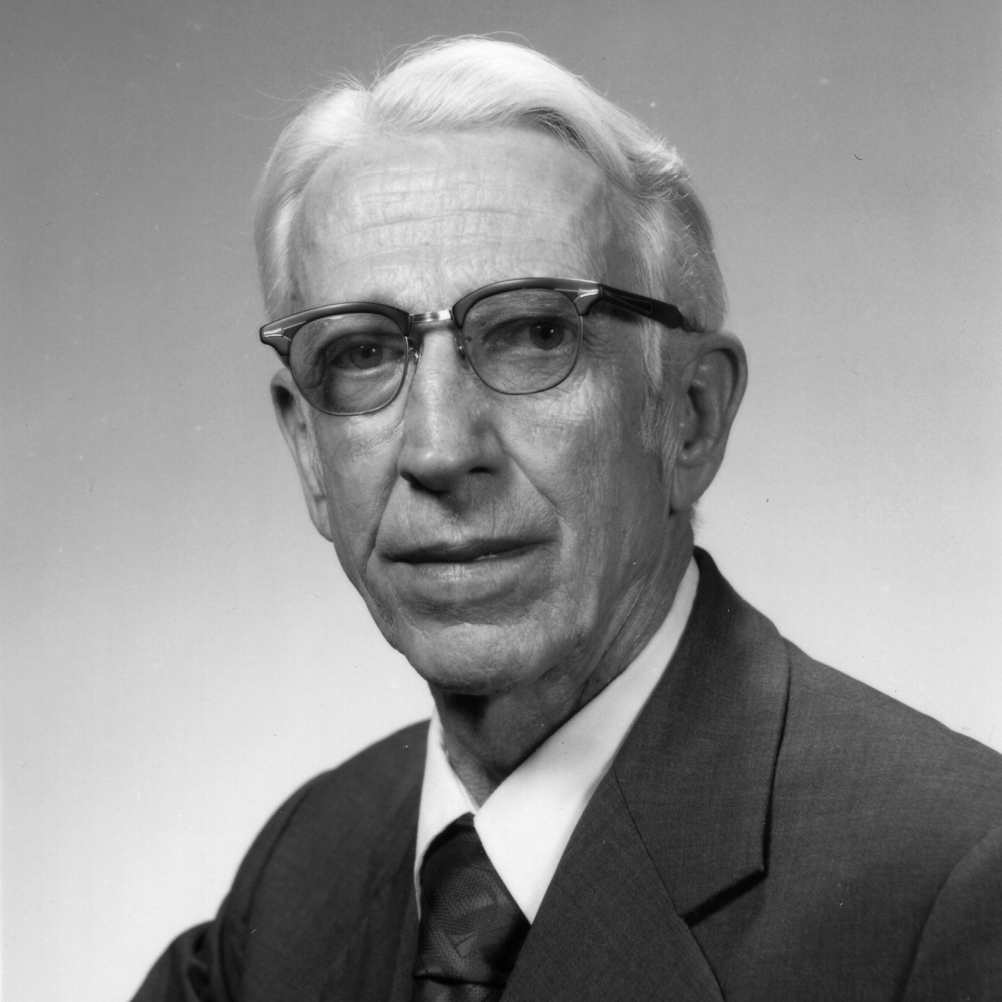 Continuing the legacy of Harold Snyder | Chemistry at Illinois