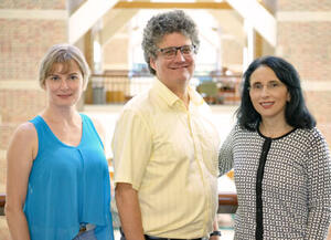 Pictured from left, Elena Romanova, Jonathan Sweedler, & Sandra Rodriguez-Zas